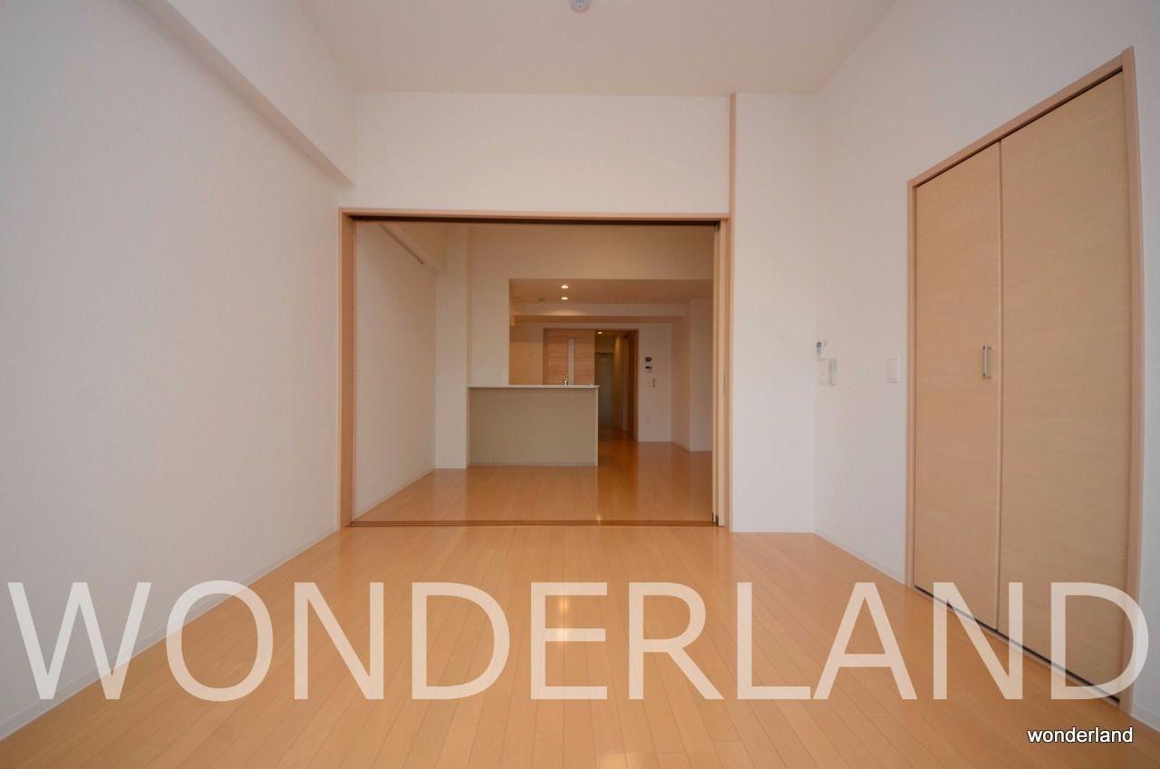 LDKと洋室の間仕切りを空けたままにすると大きな1部屋としても使えます。