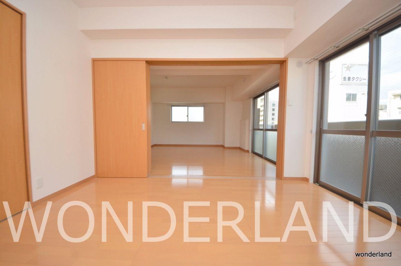 7帖ある大きめの洋室のお部屋です