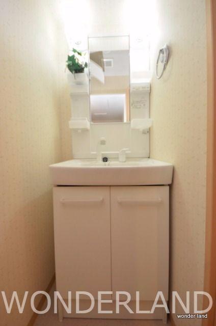 脱衣場部分に独立洗面台あり