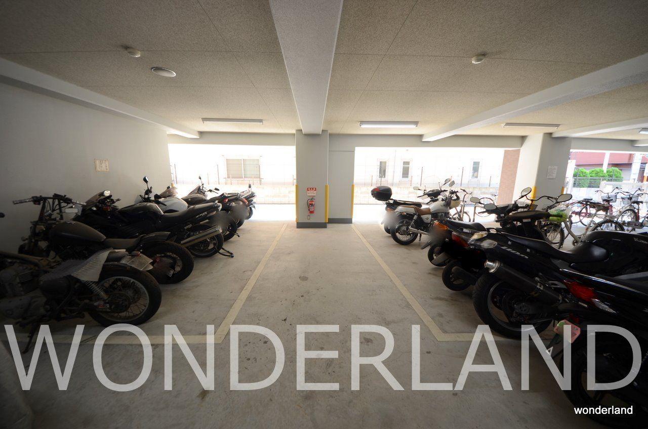 バイク駐輪スペース