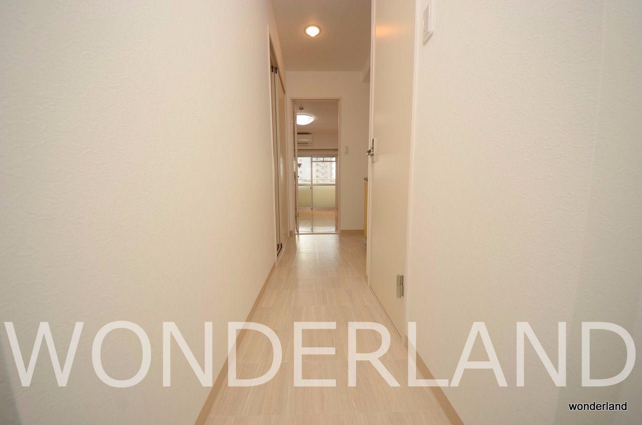 洋室部分と床の色が変えられています